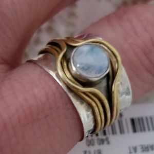Jewelry - Hammered .925 moonstone Ring sz 8.5